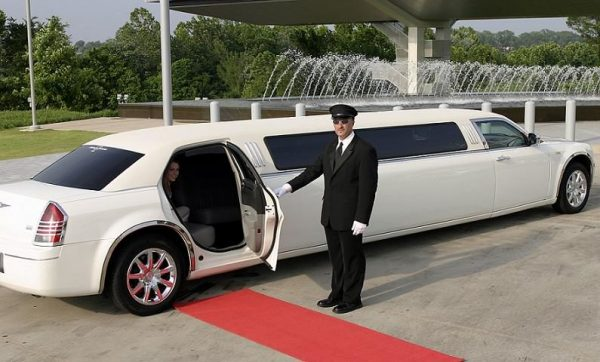 Chrysler Limousine Ride in Dubai